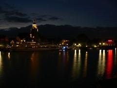 Leer harbour at nighttime (achatphoenix) Tags: promenade nocturne leerostfriesland leer hafen harbour nuit nacht night nightlight water wasser eau havre port eastfrisia ostfriesland ontour august warsteineradmiral