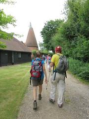 UK - Kent - Near Staplehurst - Walking past Oast House (JulesFoto) Tags: uk england kent centrallondonoutdoorgroup clog staplehurst walking oasthouse lowweald