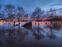 Overflow (Bill Fultz) Tags: sunset flood bluehour ohioriver serpentinewall floodstage cincinnatiohio yeatmanscove cincinnatipark cincinnatiriverfront cincinnatiflooding floodedohioriver