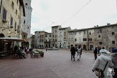 Piazza della Cisterna (andrea.prave) Tags: italien italy square italia tuscany siena piazza sangimignano toscana toscane italie toskana   cisterna   piazzadellacisterna      discovertuscany visittuscany