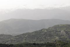 A dusty day (Micheo) Tags: nieve paisaje sierra layers sierranevada montaas capas laalfaguara parquenaturaldelasierradehuetor