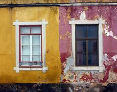 Fachada de Faro (John LaMotte) Tags: faro algarve portugal window windows ventana janela janelas deterioro decayed fachada fenêtre infinitexposure ilustrarportugal