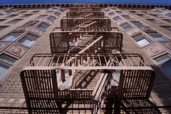 Downtown - façade 2 (luco*) Tags: usa states californie san francisco downtown union square escaliers de secours emergency stairs immeuble flickraward flickraward5 flickrawardgallery california étatsunis united america damérique amérique