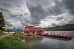 Maligne Lake in Jasper National Park (FollowingNature) Tags: followingnature banffnationalpark jaspernationalpark lakes canadianrockies nikond800 nikon1635mm banffphotospots banffphotolocations banffphotos jasperphotos cloudyday banfftouristspots