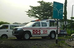 Lagos Rapid Response Squad (Tawaw) Tags: africa police lagos policetruck toyotatruck lagosnigeria nigeriapolice rapidresponsesquad lagospolice toyotapolicetruck policetoyota