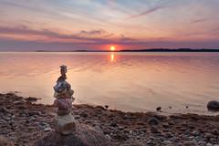 stones in evening light (beginner17) Tags: ostsee wasser meer steine strand sonne sonnenuntergang himmel abendlicht abendrot abendstimmung figuren