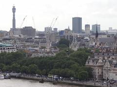 DSC07150 (Ben Sutherland) Tags: creativecommons creativecommons20 london londonskyline tatemodern viewfromthetatemodern londonfromthetate londonviews