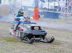drag032 (minitmoog) Tags: dragrace grass dragracing sleds snowmobiles skoter veteran vintage lycksele