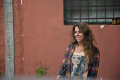 POSTE, VENTANA, FLORES Y MUJER (Marina Balasini) Tags: flowers sky naturaleza nature argentina smile mujer women flickr belleza