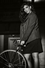 Black Friday 31 (Mathias Bra) Tags: moda bicicleta virado mujer modelo pasarela calle