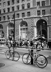 Crowd (OneMarie!) Tags: ny nyc wallstreet street calles ciudad city nikon d7100 bw bn blancoynegro people gente crowd bicicleta transporte transportation turismo tourist