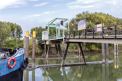 Brug naar het Eiland Van Brienenoord (R. Engelsman) Tags: eiland vanbrienenoord brienenoord brug bridge rotterdam netherlands nederland nl outdoor zuiddiepje rotjeknor 010 holland
