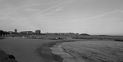 Palamos (miguou) Tags: sunset sea mer blancoynegro praia mar spain pentax playa paisaje nb catalunya paysage espagne plage backandwhite coucherdesoleil k5 platja paisatge postadesol catalogne palamos borddemer paisajem espagn enblancinegre pentaxart pentaxzoom