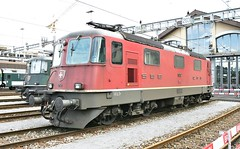 SBB Re4/4 II 11252 (John Lovda) Tags: schweiz suisse swiss zurich trains sbb lausanne depot locomotive re bellinzona bls fo ae brig ffs mgb lokomotive lok rhb gotthard cff wassen re66 brunig erstfeld ae66