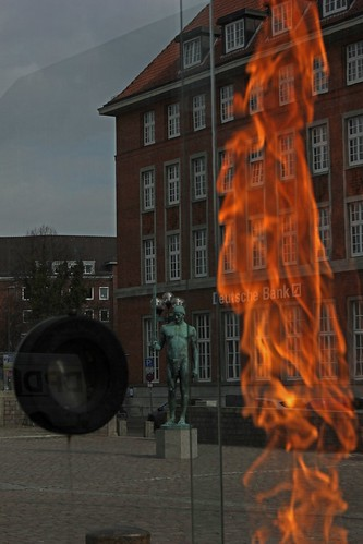 "Das Olympische Feuer Kiel 1 • <a style=""font-size:0.8em;"" href=""http://www.flickr.com/photos/69570948@N04/16719655487/"" target=""_blank"">Auf Flickr ansehen</a>"