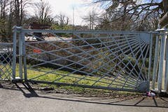 Porthaethwy .. Diwrnod gwylio ty y Pont Feistr 04/04/15 Menai Bridge.. The Bridge  master's house viewing day (Martin Pritchard) Tags: bridge thomas gates telford sunburst menai