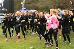 Warming-uppers (blondinrikard) Tags: pink race göteborg sweden gothenburg competition tights april warmup obstaclecourse sportswear tävling 2015 slottsskogen lopp löpartävling hinderbana toughviking toughvikingrace