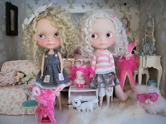 Dolly Shelf Sunday~~~~~