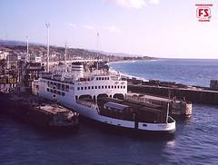 Nave traghetto FS Mongibello presso le invasature di Villa San Giovanni, Reggio Calabria (1974) (Ferrovie dello Stato Italiane) Tags: italia treno fs binari treni ferrovie fondazione