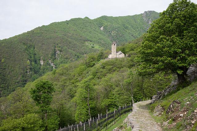 la chiesa di San Barnàrd