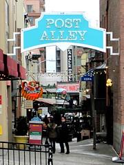 post alley (D G H) Tags: seattle street downtown streetphotography sidewalk pikeplacemarket postalley pikeplacepublicmarket daveheston