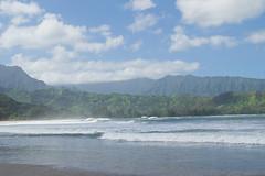 Hanalei Bay Hanalei, Hawaii (seanmugs) Tags: ocean hawaii waves kauai hanalei hanaleibay hanaleibaybeach hanaleihawaii waiolabeachpark