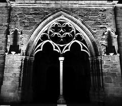 Iliz-Veur Landreger en noz (Rhisiart Hincks) Tags: pensaernaeth arkitektura architecture tisavouriezh ailtireachd pennserneth landreger trguier eglwysgadeiriol ilizveur cathedral cathaireaglais rdeaglais eglwys iliz eliza eaglais eglos church glisa esglsia glise biseric chiesa iglesia kirche   kirik  anyia brodreger treger aodoanarvor aodoanhanternoz ctesdarmor ctesdunord duagwyn gwennhadu dubhagusgeal dubhagusbn zuribeltz czarnobiae blancinegre blancetnoir blancoynegro blackandwhite  bw feketefehr melnsunbalts juodairbalta negruialb siyahvebeyaz rnoinbelo    zwartenwit mustajavalkoinen crnoibelo ernabl schwarzundweis oidhche noz nos nuit night gau noche
