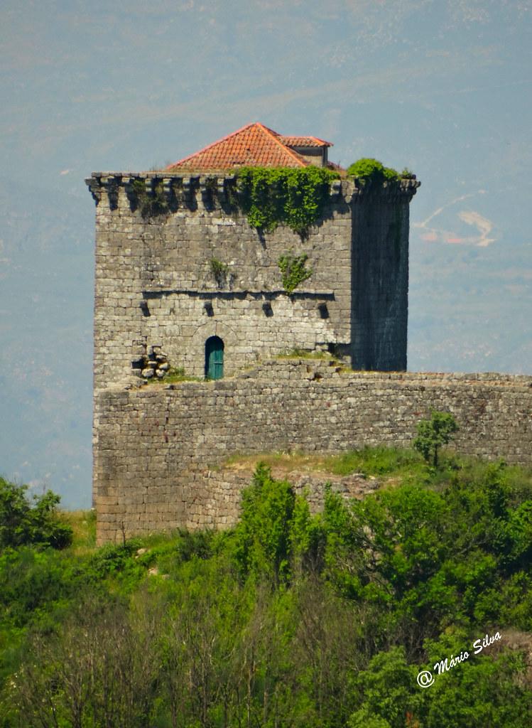 Águas Frias (Chaves) - ... Castelo de Monforte de Rio Livre (Monumento Nacional)