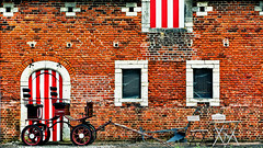Carriage Return (Alfred Grupstra Photography) Tags: farm carriage chairs stable tabel wall bierbeek vlaanderen belgi be