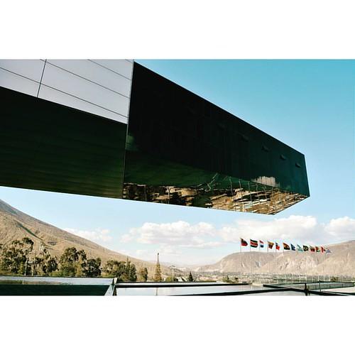 #arquitectura #sky_high_architecture #imagephilia #imagephilia_lookingup #quito #urbanosaires #urbanocity #building #arkitectur #ic_architecture #ig_minimalshots #igersquito #icu_architecture #ig_architecture #latinoamerica #ig_worldclub #architecturephot