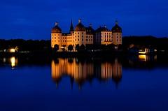 Blaue Stunde (wernerlohmanns) Tags: nachtaufnahmen langzeitbelichtung blaue stunde nachts lichter