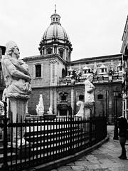 Piazza Pretoria, Palermo - Sicily (max tuguese) Tags: piazza pretoria palermo sicily fontana maxtuguese canon black white bw square italy monochrome