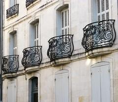 La Rochelle, Charente-Maritime (Marie-Hlne Cingal) Tags: france sudouest poitoucharentes charentemaritime 17 larochelle balcons balconies fer iron