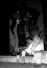 m-029 (enricoerriko) Tags: enricoerriko civitanovamarche portocivitanova animedistrada streetart telmomiel telmo miel erriko enrico cartacanta sanmarone peep colori people gente artisti strada arianna stefano ro laura cielo sky azzurro red green marche citanò artist sunshine sunset google altavista web sunrise sun moon earth globe grass piazzaxxsettembre lidocluana casadelpopolo murales