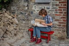 Le Lecteur (musette thierry) Tags: lecteur thierry musette livre portrait garcon boy composition