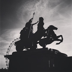 Boodika (Olly Denton) Tags: bodicea boudicca iceni queen britons statue architecture chariot warriorqueen warrior horse art public iphone iphone6 6 vsco vscocam vscolondon ios apple mac bw blackwhite monochrome westminsterbridge westminster londoneye london uk