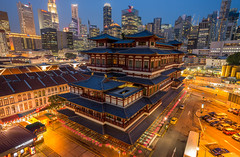 Chinese temple, Singapore city. (5AAAAM) Tags: chinesetemple temple chinese singapore buildings city cityscapes cityscape landscapes landscape landmark asia asian travel blue bluehour twilight towers street light outdoor sunset nikon d800 nikond800 20f18