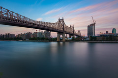 Queensboro Bridge (Amar Raavi) Tags: nyc newyorkcity longexposure bridge sunset usa ny newyork river unitedstates dusk manhattan landmark queens eastriver rooseveltisland 59thstreetbridge queenborobridge cantileverbridge nationalhistoriccivilengineeringlandmark edkochqueensborobridge