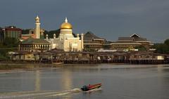 Sultan Ulmar Ali Saifuddien Mosque.Brunei. (Bernard Spragg) Tags: brueni cityscape river urban skyline sonya300 publicdomaindedicationcc0
