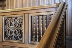 Wooden railing (Elbmaedchen) Tags: gediegen hanseatisch gelnder treppe treppengelnder hlzern banister stubbenhuk kontorhaus verzierung strukturen