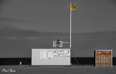 poste de scurit - the Beach security post (png nexus) Tags: bw beach nb desaturation plage