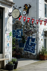 HH-Installations 1766 (cmdpirx) Tags: hamburg germany reclaim your city urban street art streetart artist kuenstler graffiti aerosol spray can paint piece painting drawing colour color farbe spraydose dose marker stift kreide chalk stencil schablone wall wand nikon d7100 paper pappe paste up pastup pastie wheatepaste wheatpaste pasted glue kleister kleber cement cutout