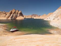 A SLICE OF PARADISE (Krieger Conradt) Tags: lake powell arizona boating paradise
