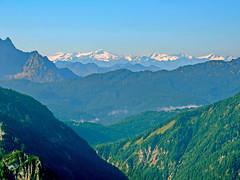 Bergpanorama (Wunderlich, Olga) Tags: berchtesgadenerland deutschland berge schnee grn landschaft natur bayern berglandschaft alpenlandschaft alpen dunst nebel