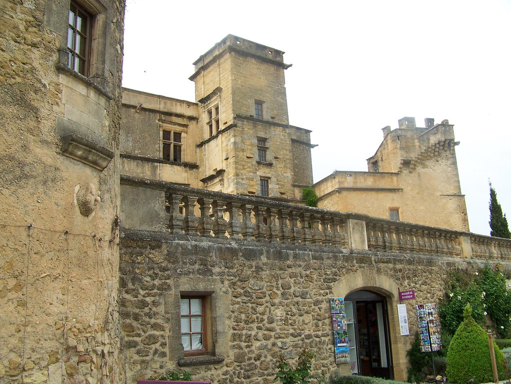 The World S Best Photos Of Chateau And Lourmarin Flickr