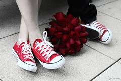 Fernanda e Vinicius - All Star (lcamargo.dm) Tags: casamento marriage wedding love bouquet photo fotografia design all star red