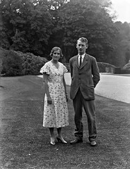 Mount Congreve, Waterford, Lady Alethea Buxton and Mr. Peter Eliot. (National Library of Ireland on The Commons) Tags: ahpoole arthurhenripoole poolecollection glassnegative nationallibraryofireland mountcongreve couple  1933 september ladyaletheabuxton earlbuxton mrpetereliot honedwardeliot earlofstgermans engagementannounced waterford visit cowaterford ireland munster