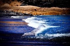 Listen the sound (Lorybusin) Tags: nikonphoto onda riflessi reflejos colores arena ocano ola magic colors landscape sand wave ocean nikon