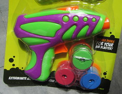 Alien Invasion Cosmic Air Blaster By Toy Bank And Alien FX Industries ITP Imports - 2 Of 3 (Kelvin64) Tags: alien invasion cosmic air blaster by toy bank and fx industries itp imports