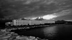 Tourimar... (BarbaraBonanno BNNRRB) Tags: tourimar scdogliera marinadimassa sea mare edificio scogliera dellamore